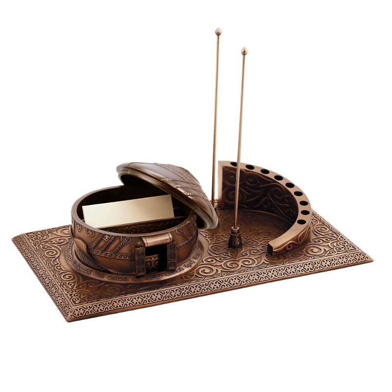 Yurt desktop stationery holder