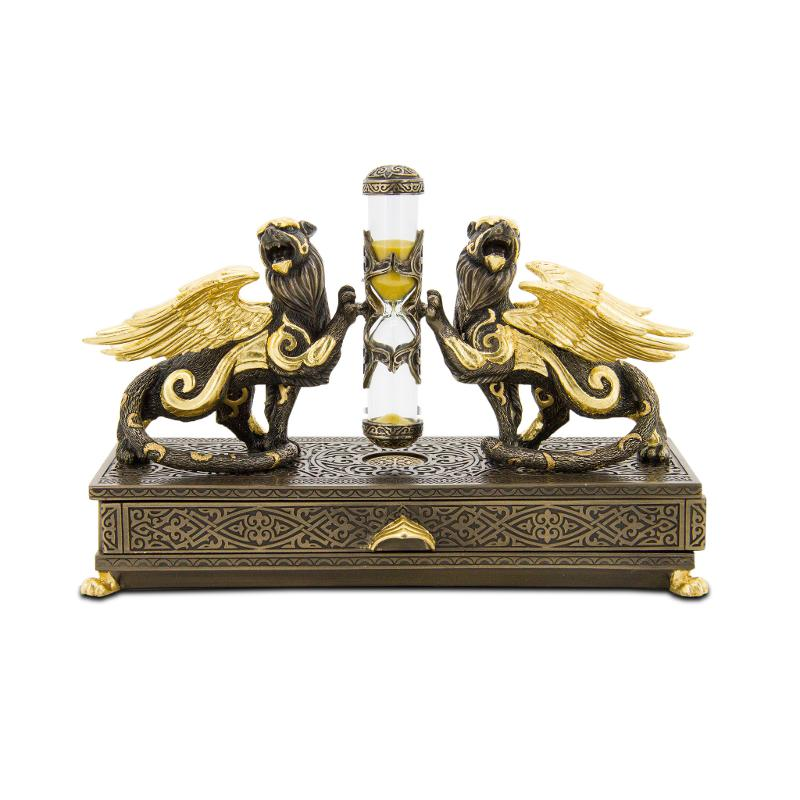 Winged Leopards hourglass box