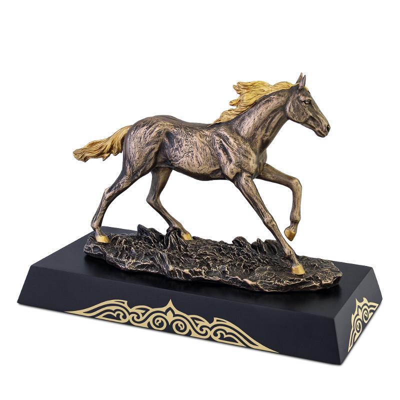 Tulpar figurine