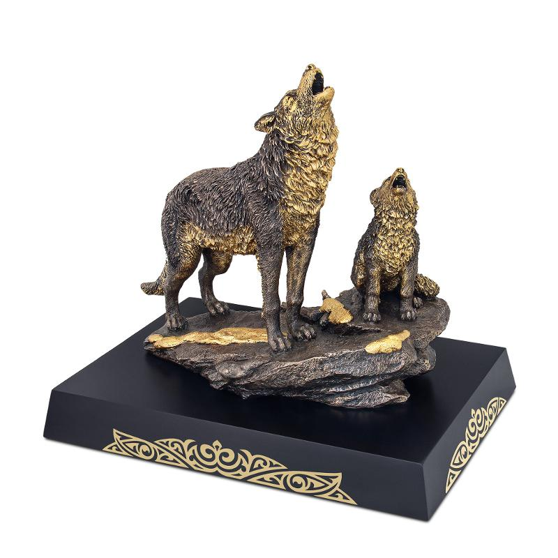Kokbory figurine