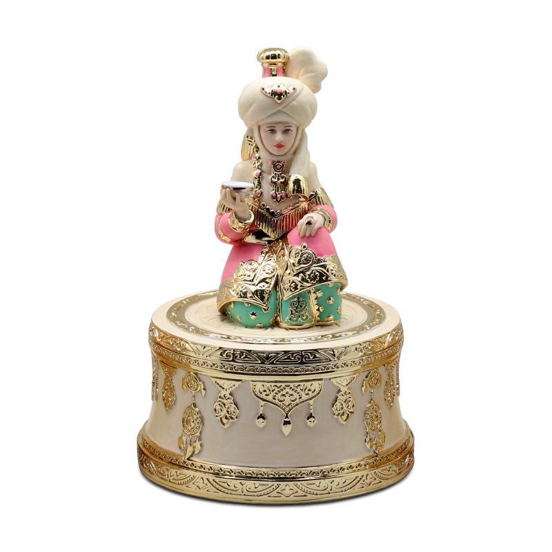 Musical statuette Akbope